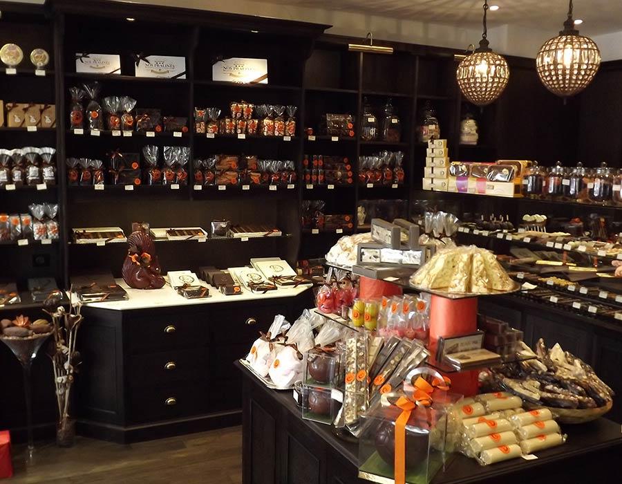 La Guéronnière Renovation Facade Boutique Bois Paris Img8 1