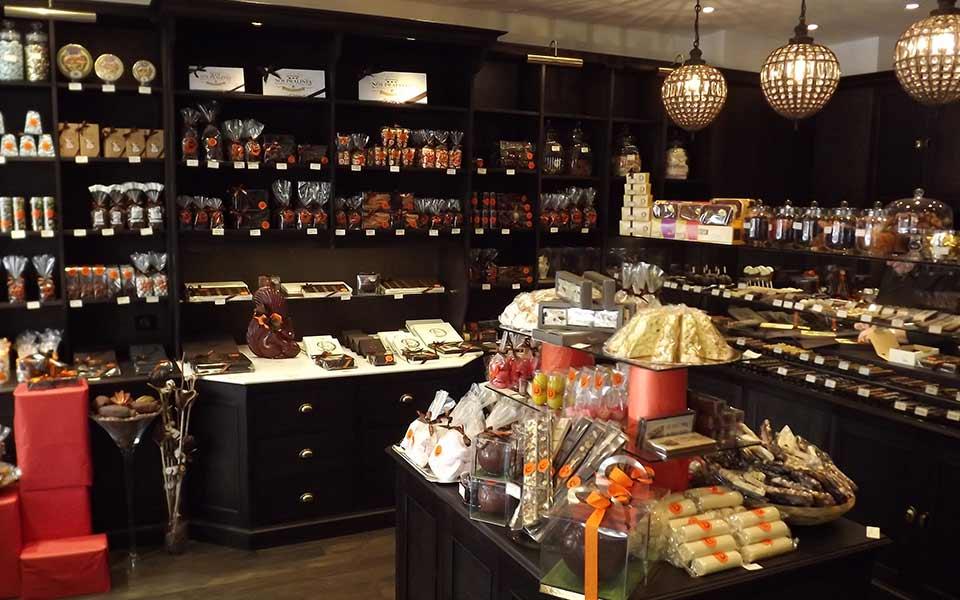 La Guéronnière Renovation Facade Boutique Bois Paris Img7